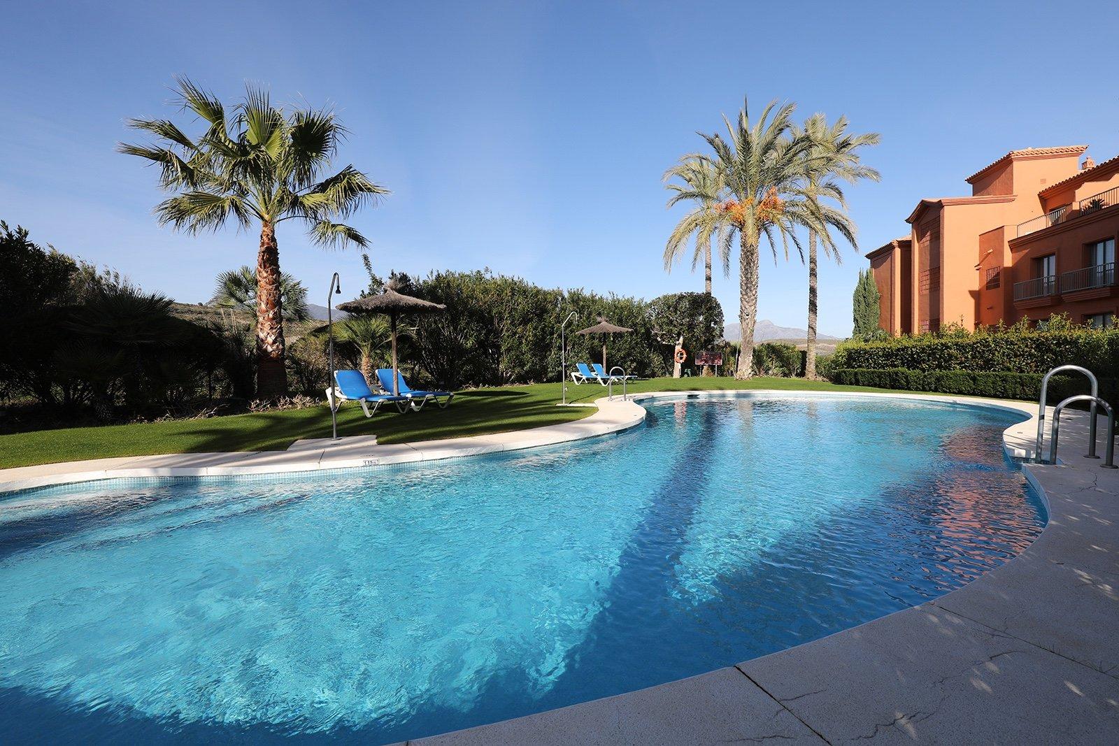 Apartment for sale in Benahavis, Los Flamingos Golf