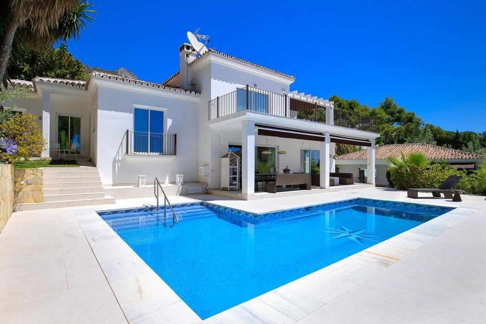 Villa for sale in Marbella, Cascada de Camojan