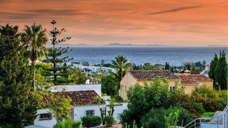 Villa for sale in Marbella, Las Lomas de Pozuelo