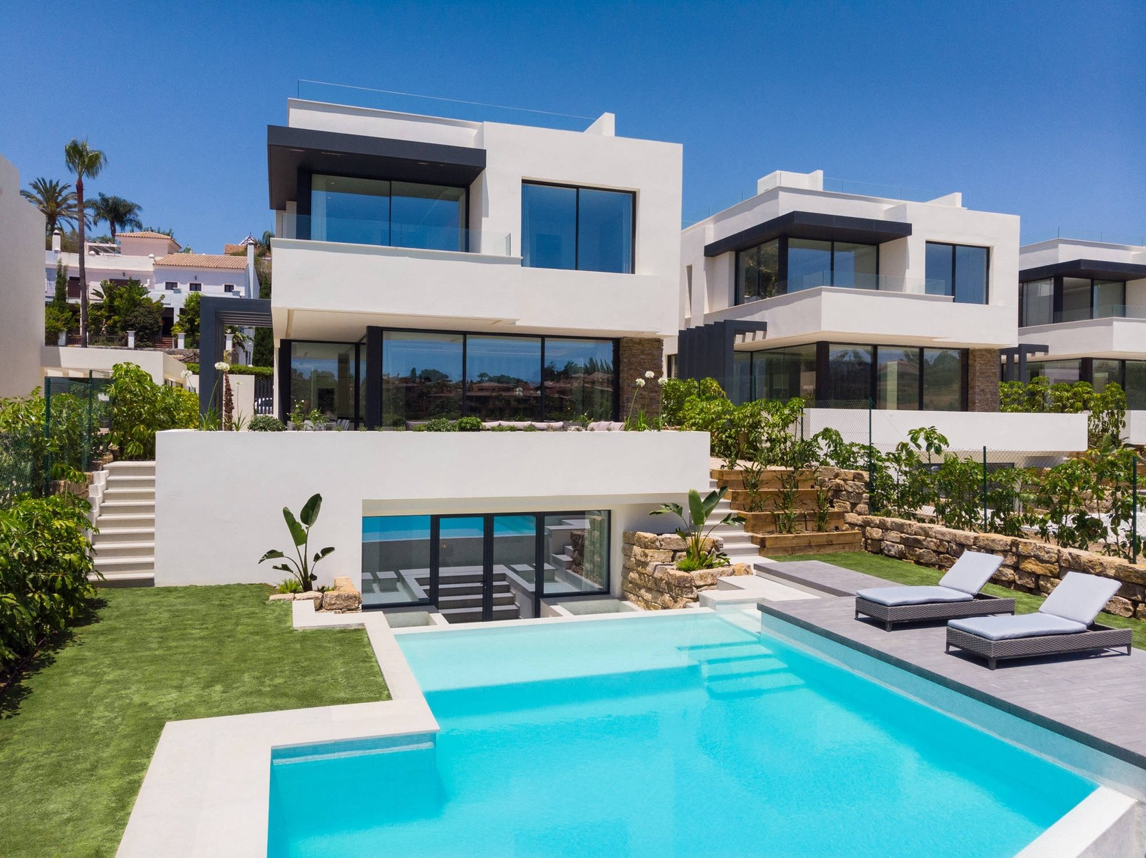Villa for sale in Estepona, Atalaya