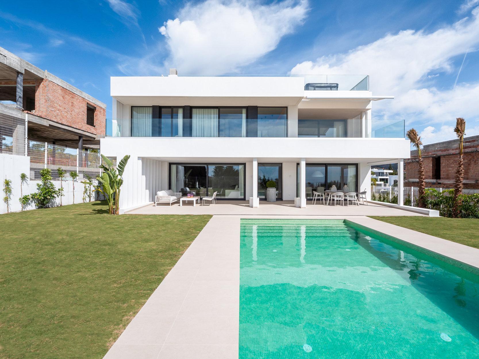 Villa till salu i Estepona, Cancelada