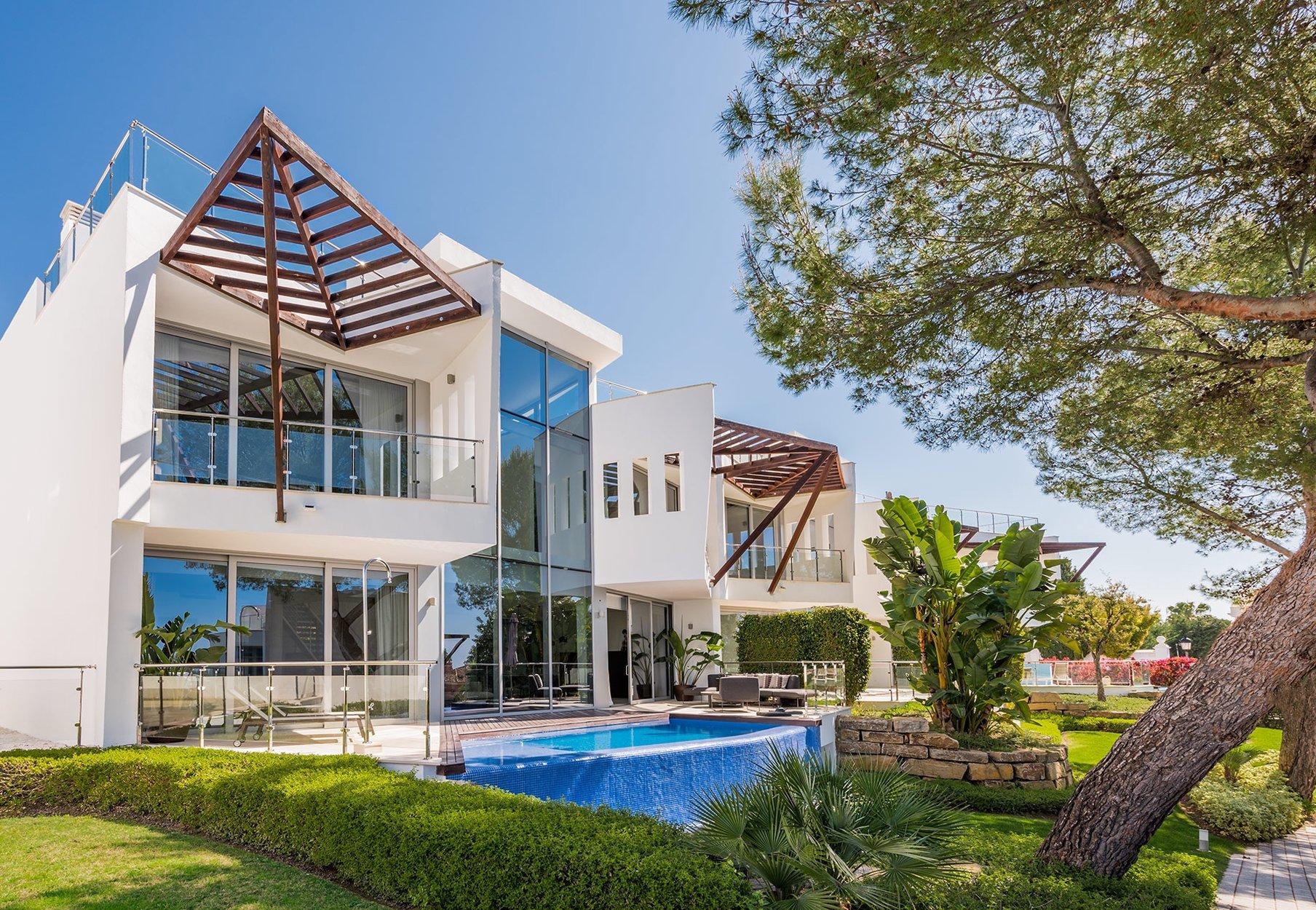 Villa for sale in Marbella, Sierra Blanca