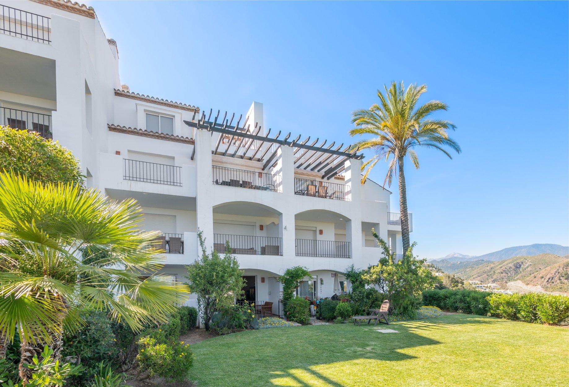 Apartment for sale in Benahavis, Altos de la Quinta