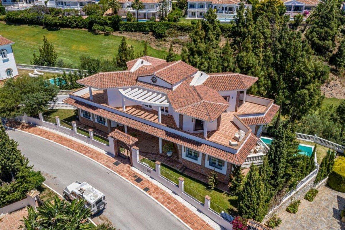 Villa for sale in Mijas, El Chaparral