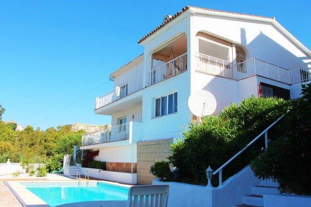 Villa for sale in Fuengirola, Torreblanca del Sol