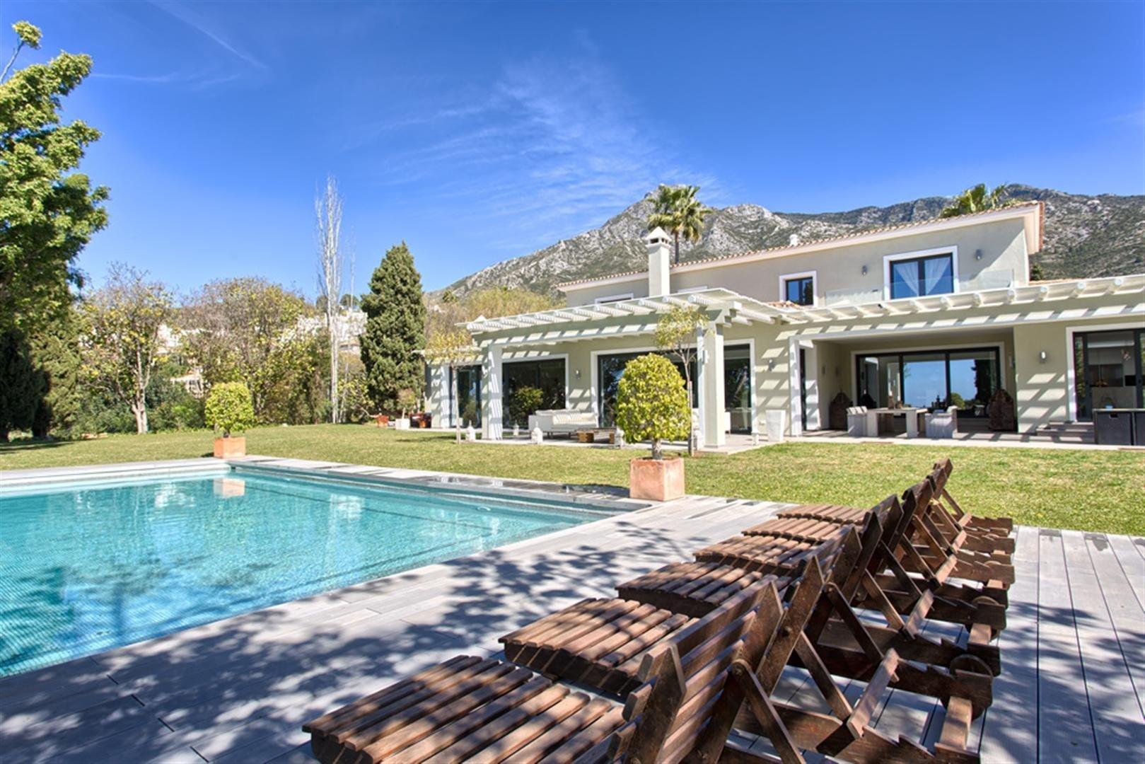 Villa for rent in Marbella, Marbella Hill Club