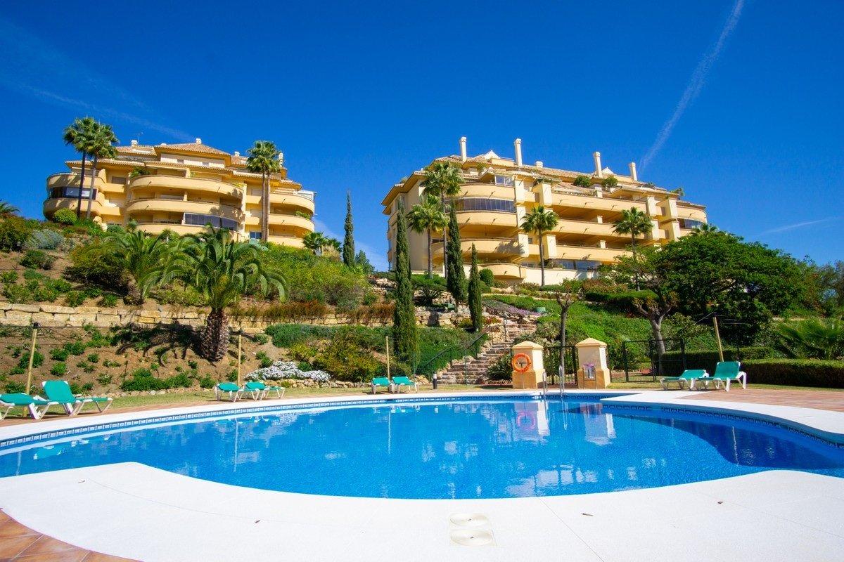 Apartment for sale in Marbella, Elviria Hills