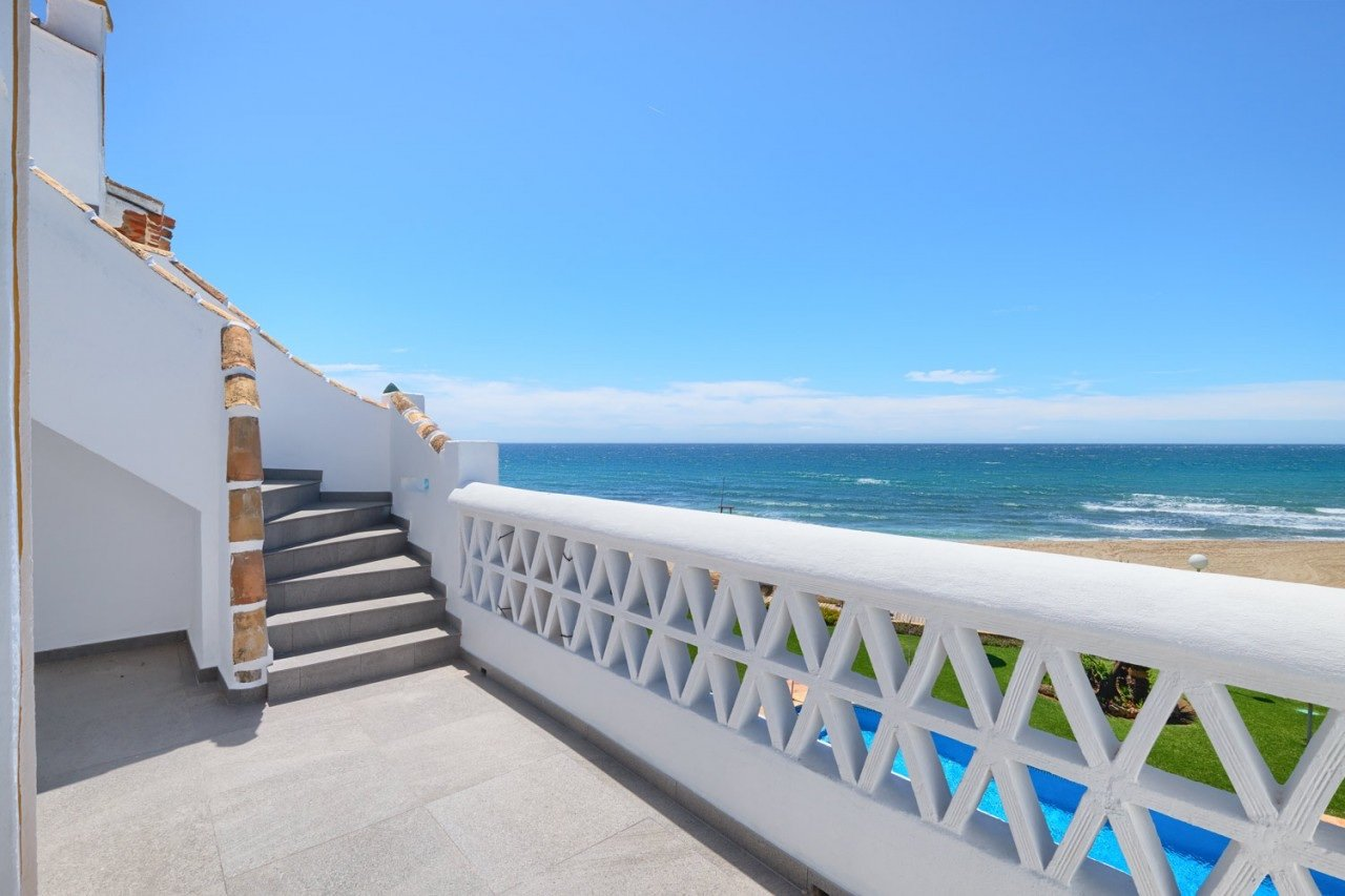 Penthouse for sale in Mijas, Beachfront