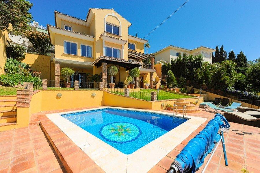Villa for sale in Benalmadena, Benalmadena Costa