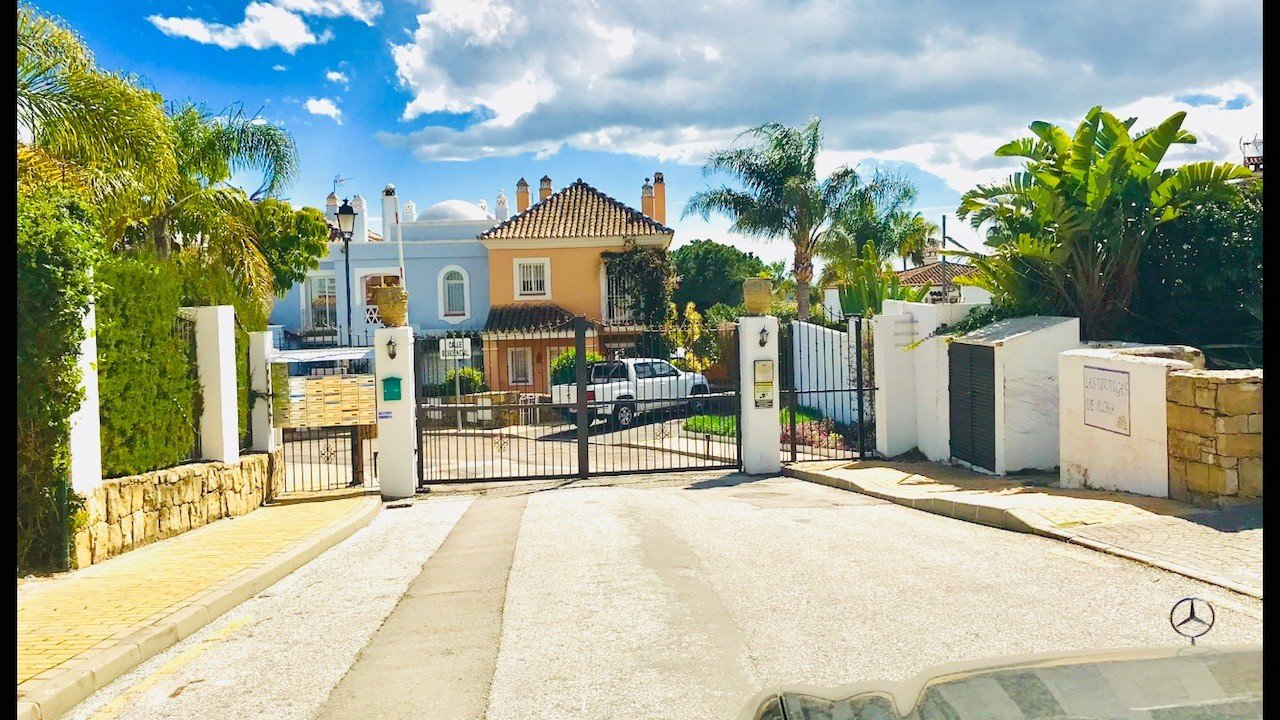 Townhouse for rent in Marbella