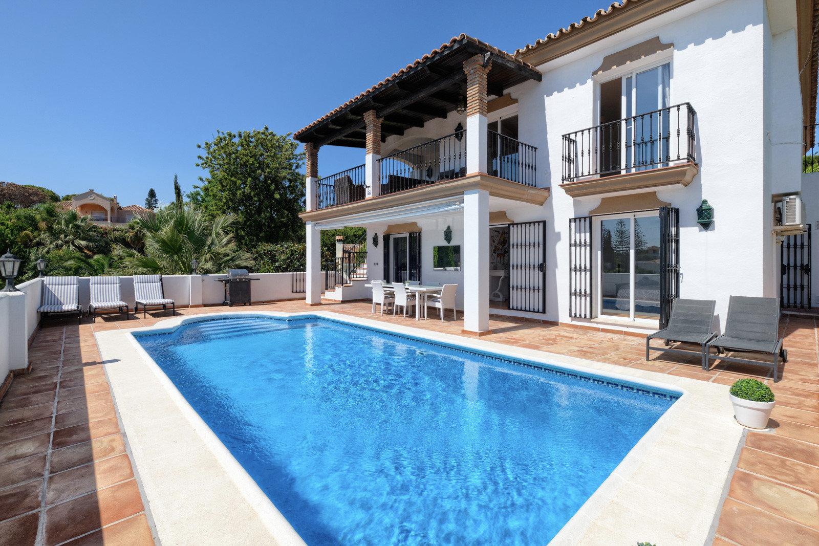 Villa for sale in Marbella, El Rosario