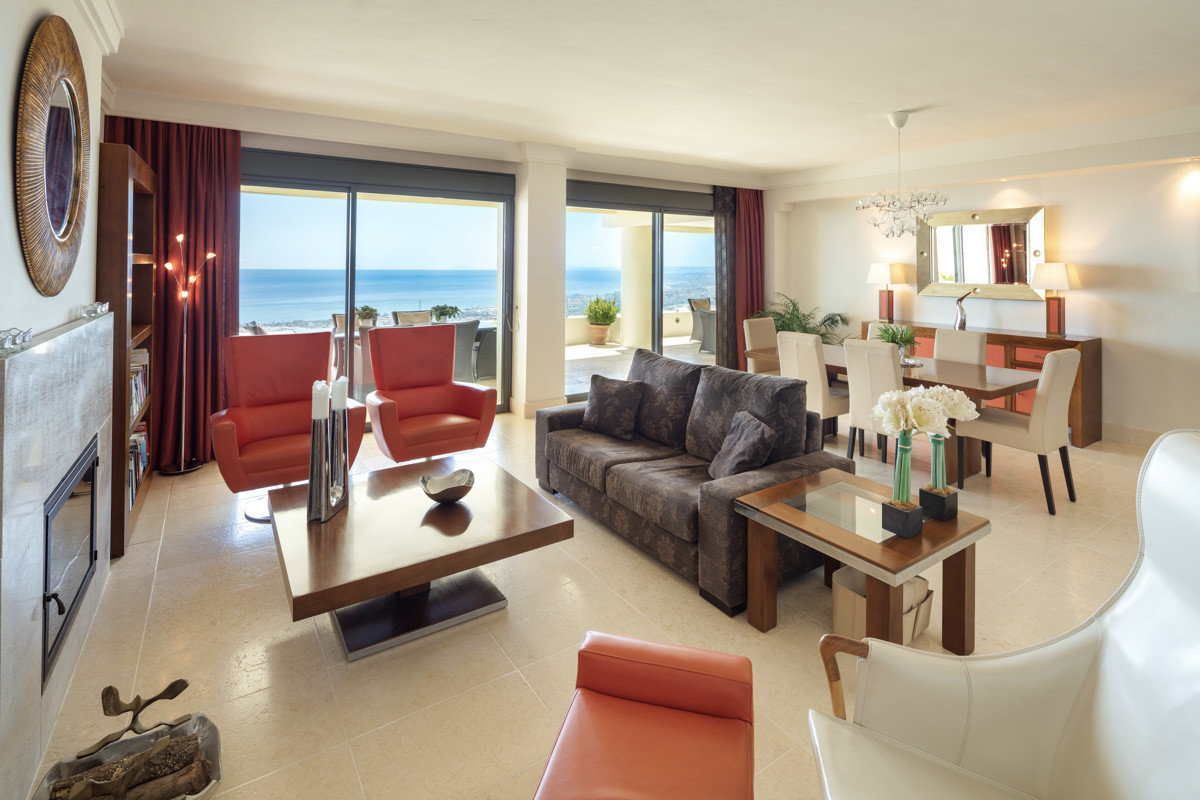 Penthouse for sale in Marbella, Los Monteros