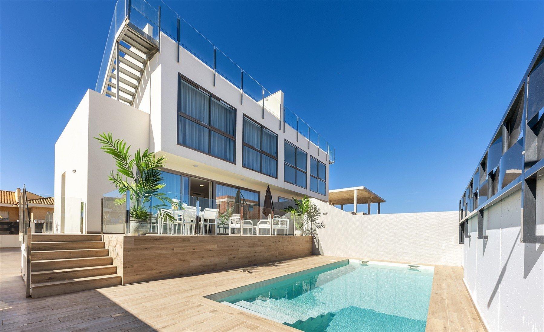 Villa for sale in Los Belones