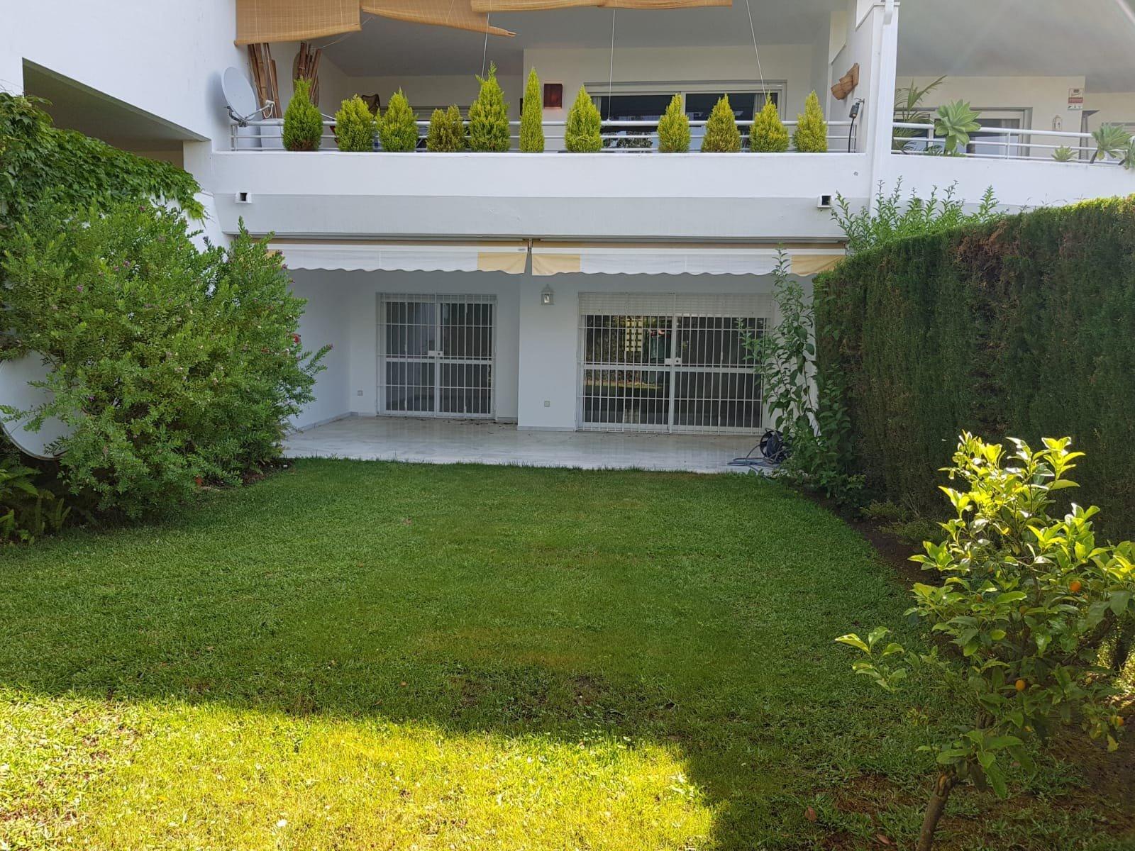 Apartamento a la venta en Guadalmina Baja