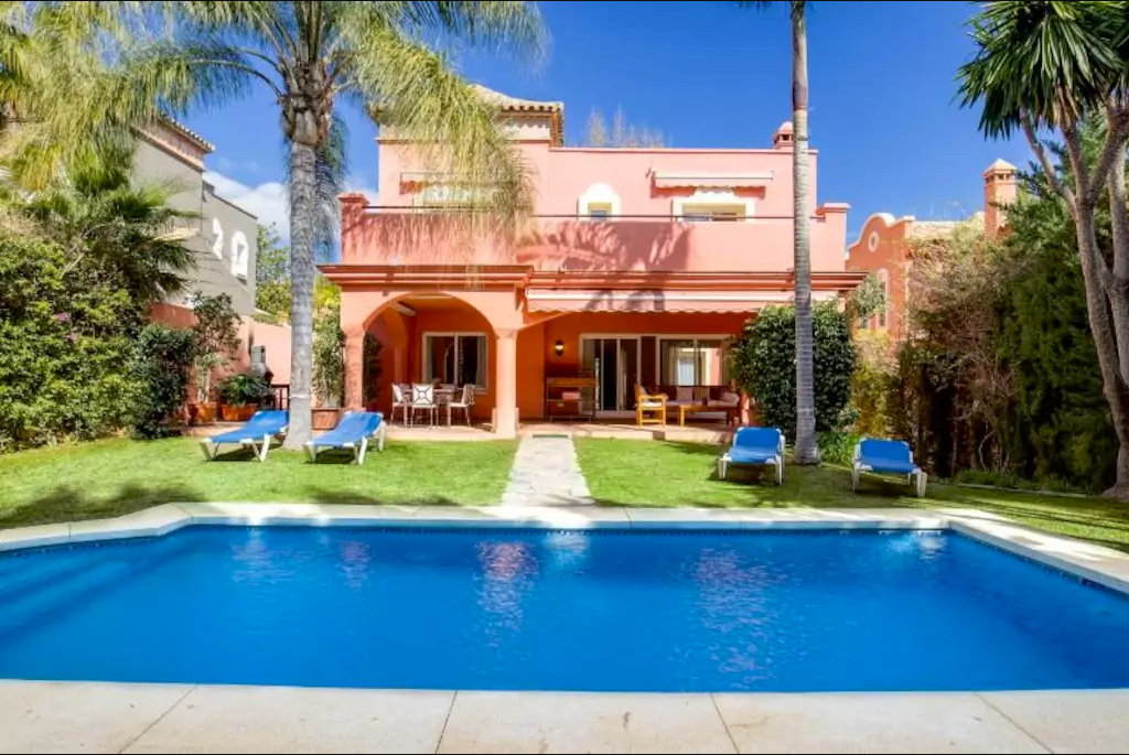 Villa for rent in Marbella, La Alzambra