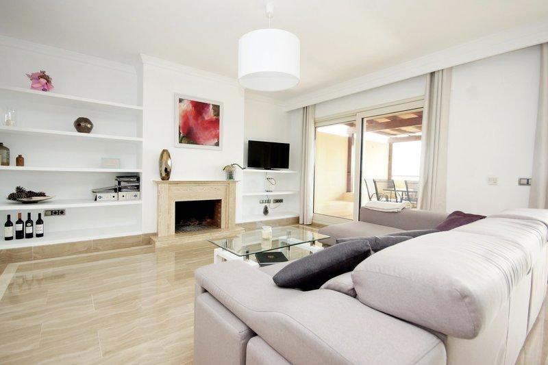 Penthouse for sale in Marbella, Condado de Sierra Blanca