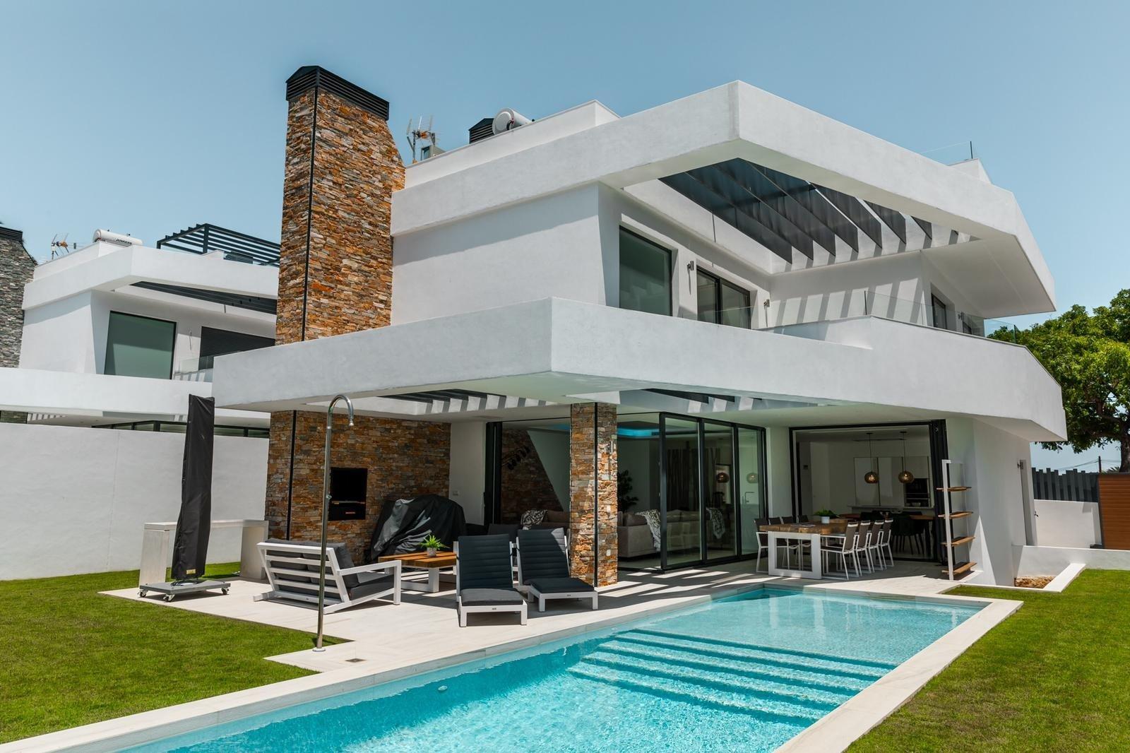 Villa till salu i San Pedro Alcantara, Linda Vista Playa