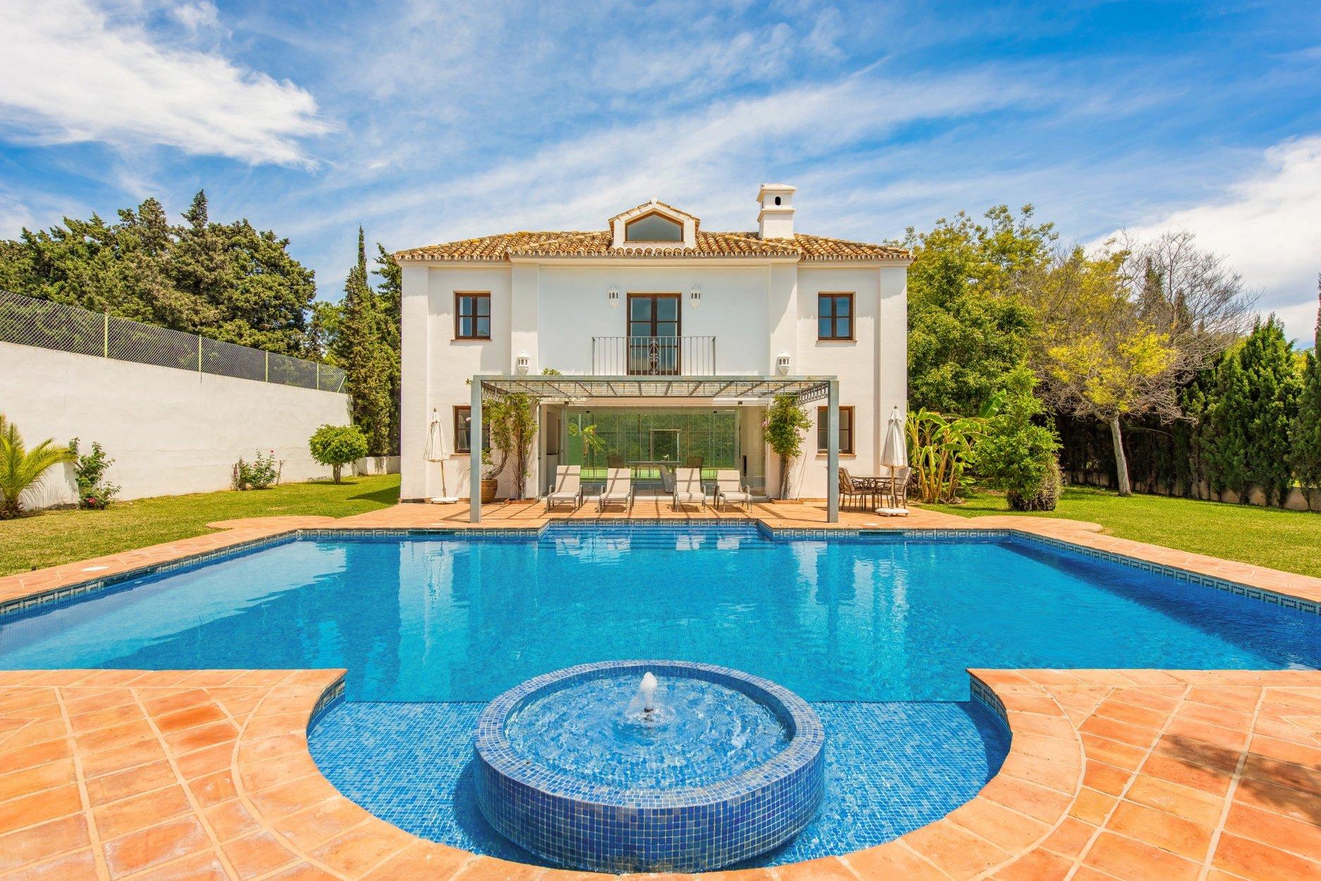 Villa for rent in San Pedro Alcantara, Guadalmina Baja