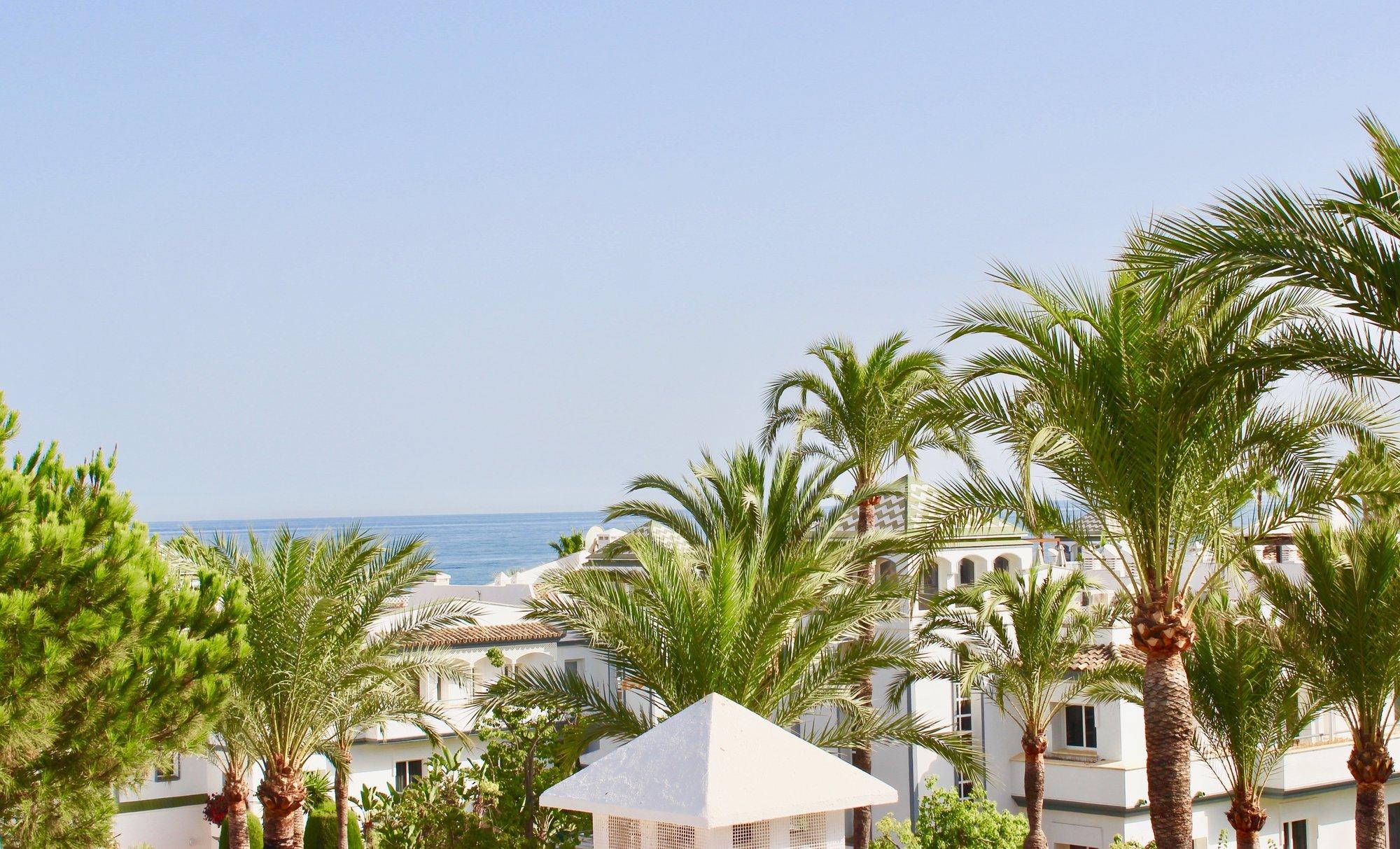 Penthouse for sale in Estepona, Dominion Beach