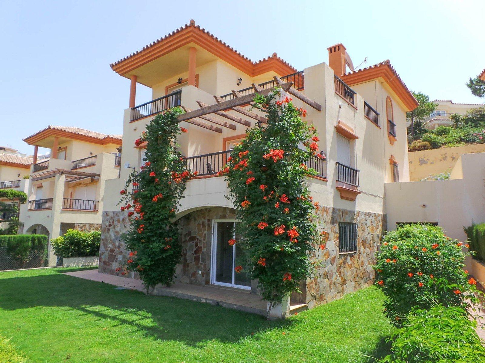 Цены на квартиры и дома в испании