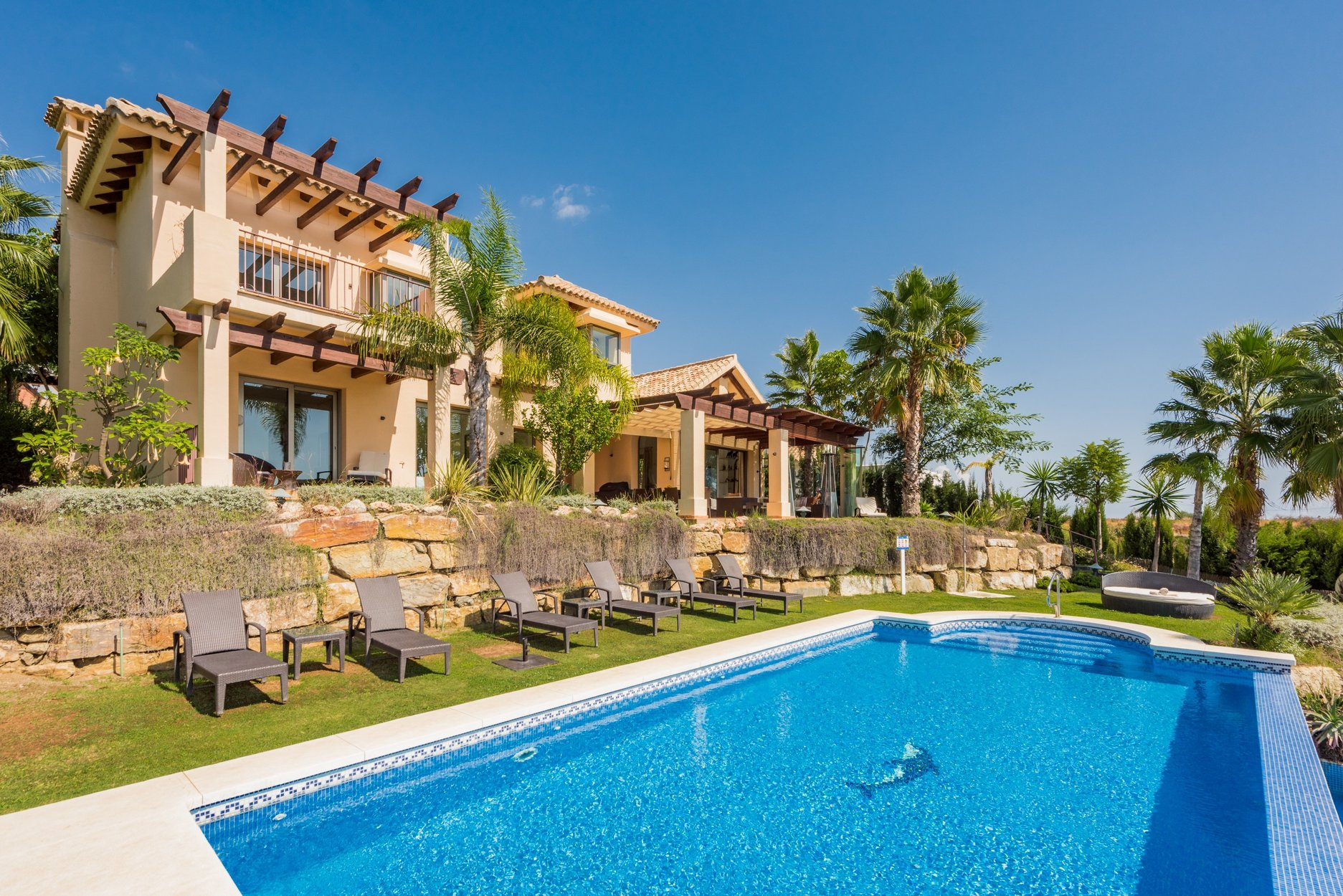 Villa for sale in Estepona