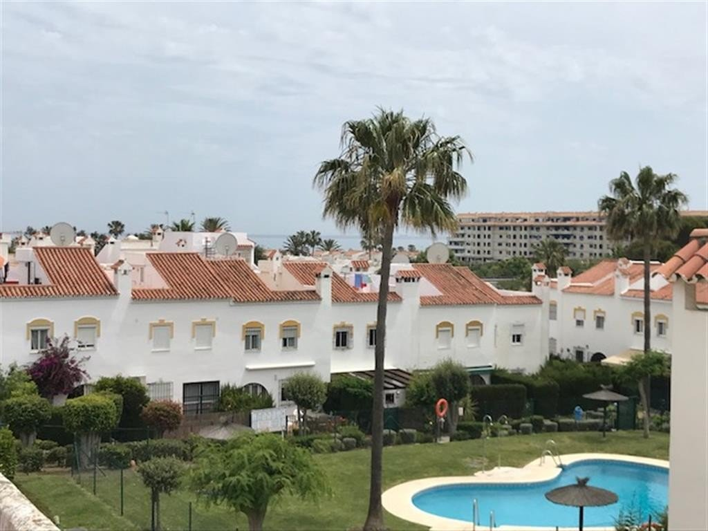 Townhouse for sale in Casares