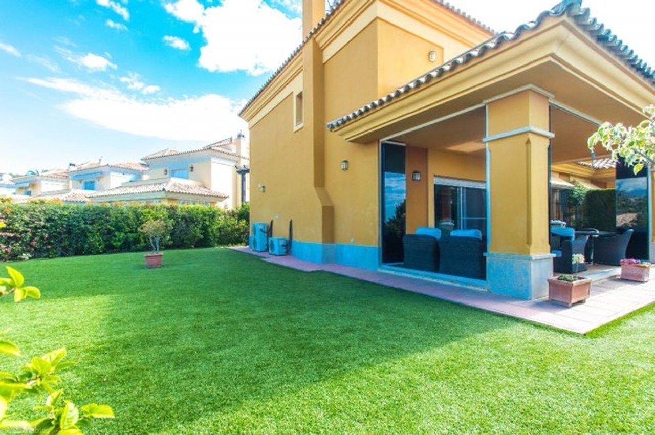 Villa for sale in Marbella, Santa Clara Golf