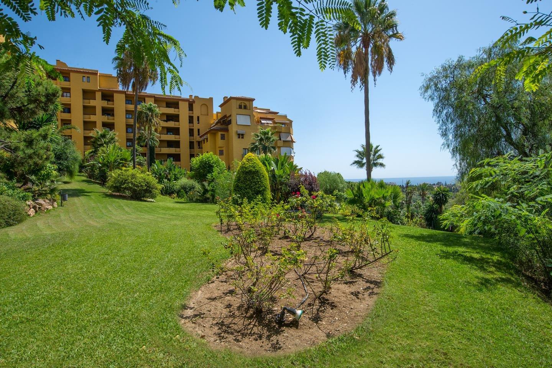 Apartment till salu i Estepona
