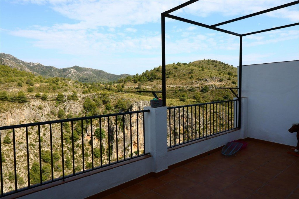 Townhouse for sale in Frigiliana