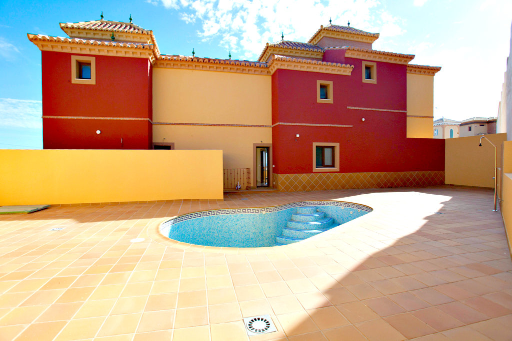 Townhouse for sale in Torrox Costa