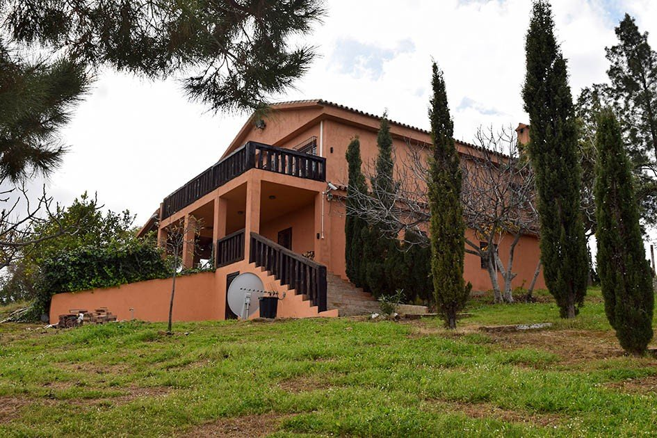 Country house for sale in Mijas