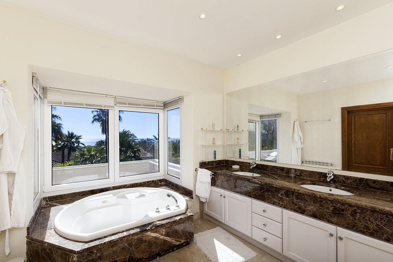 Villa For Sale in Sierra Blanca, Marbella