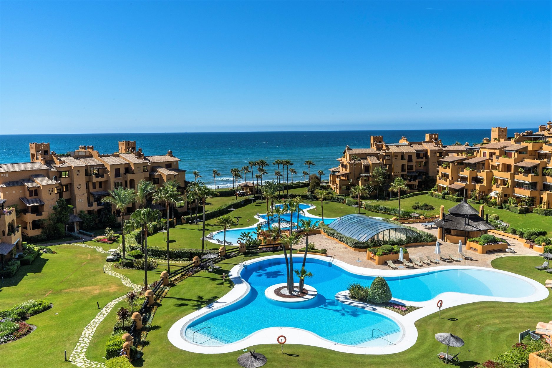 Penthouse for sale in Estepona, Los Granados del Mar