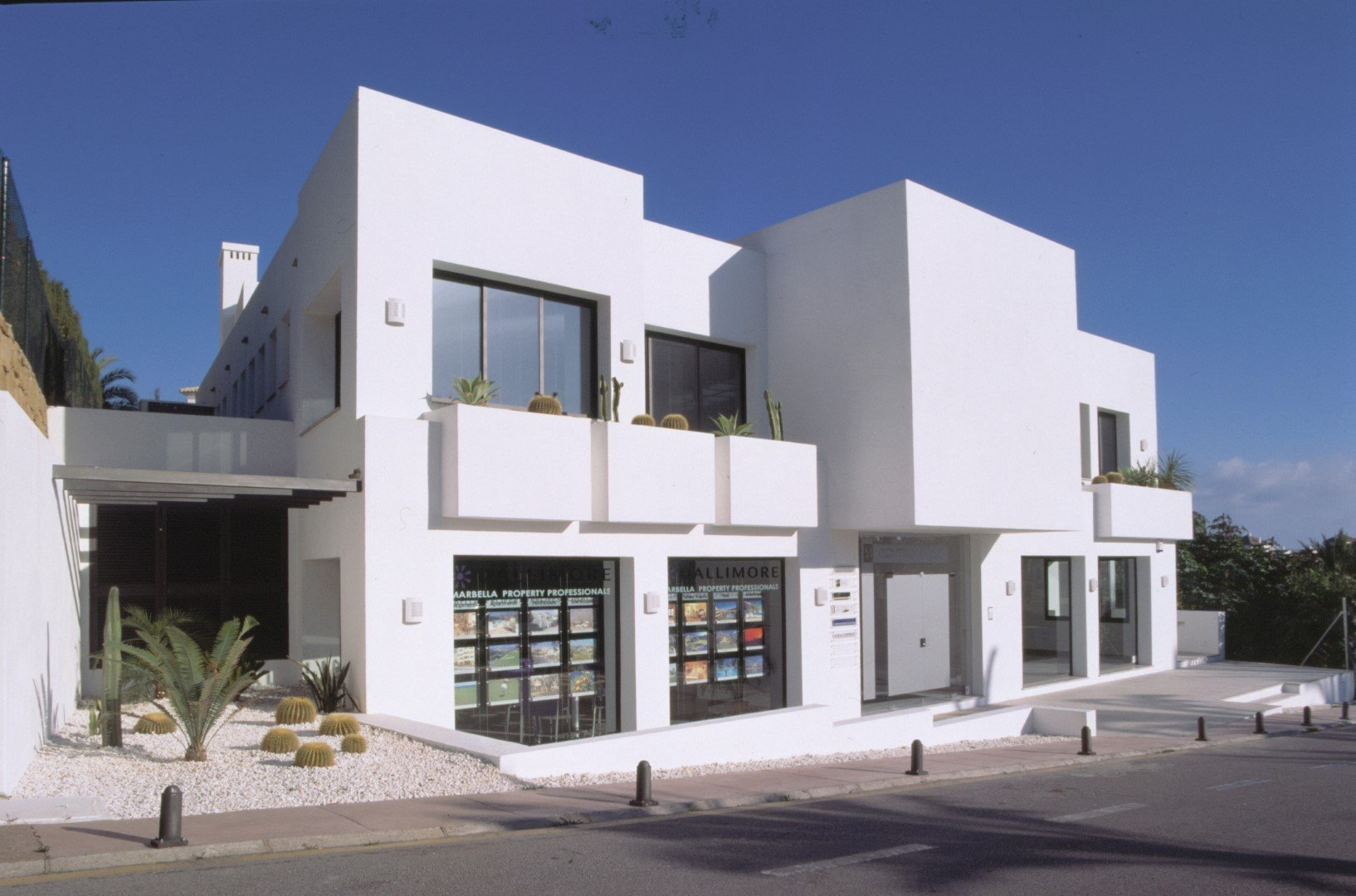 0-bed- retail for Sale in Nueva Andalucia
