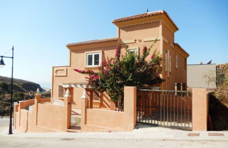 Townhouse for sale in Torrox