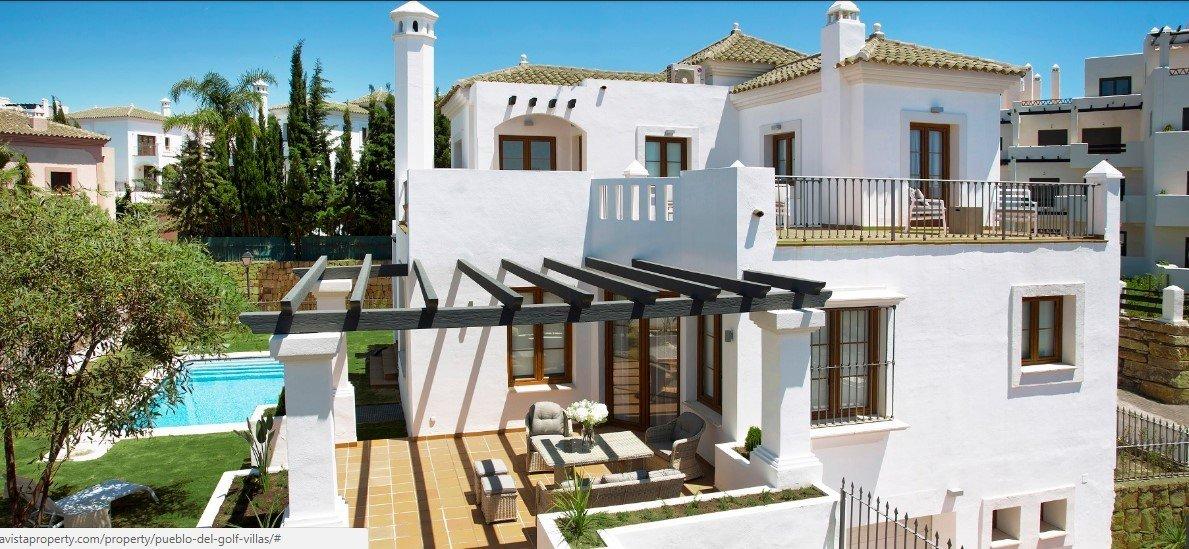 Villa for sale in New Golden Mile