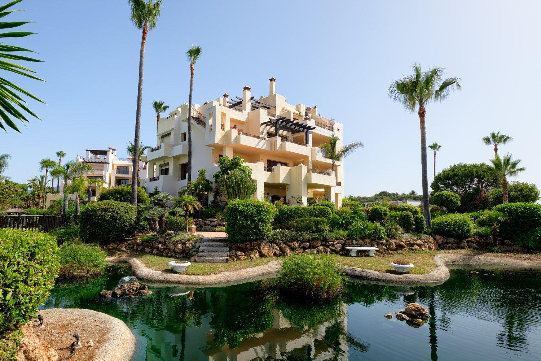 Apartment te koop in Estepona, Bahia del Velerin