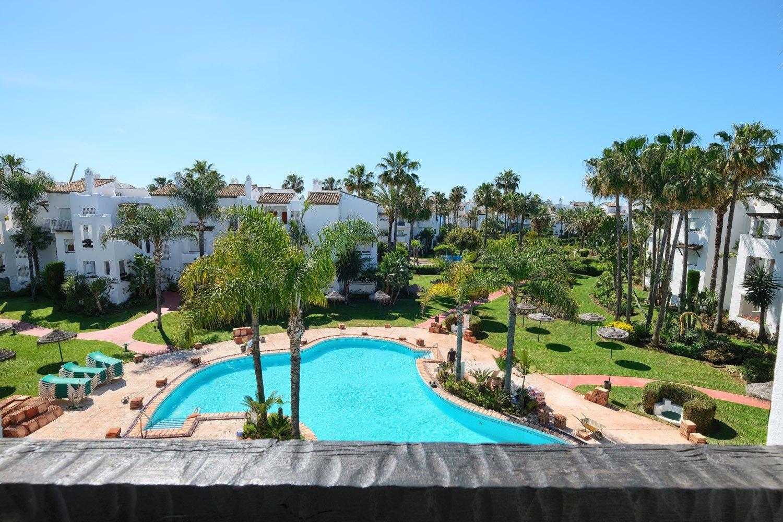 Apartment for sale in Estepona, Costalita2