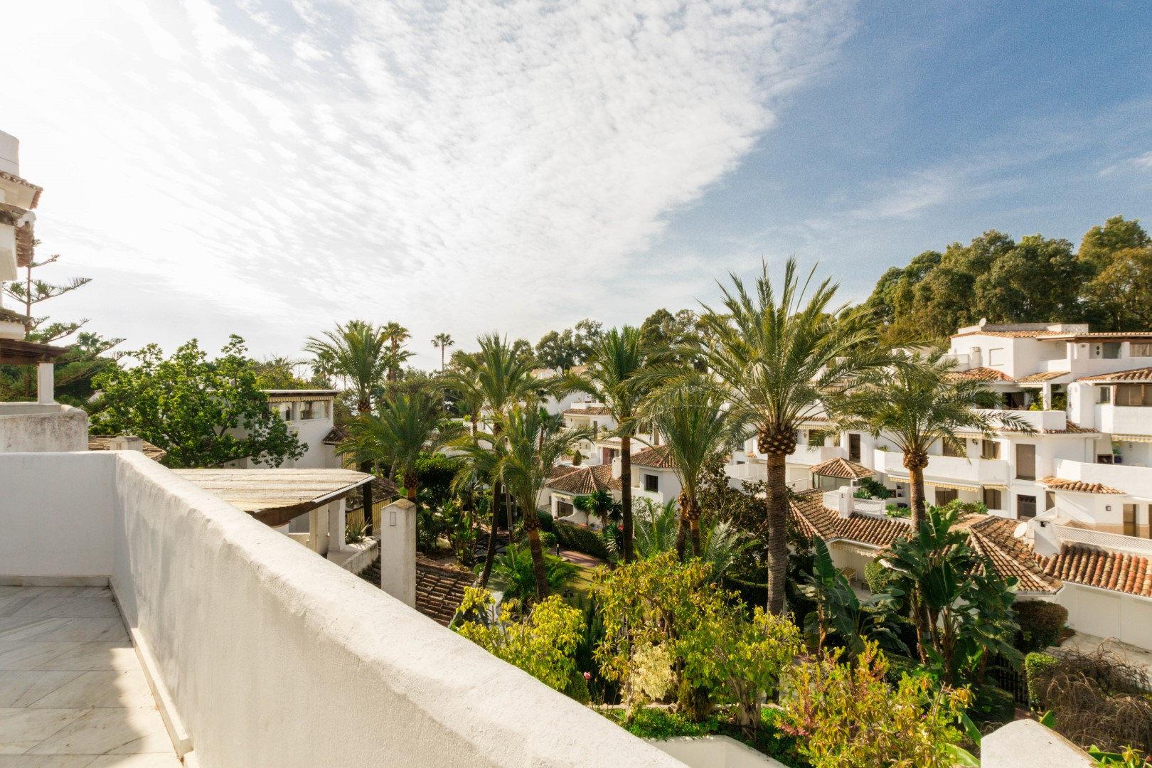 Penthouse till salu i Marbella, Golden Beach