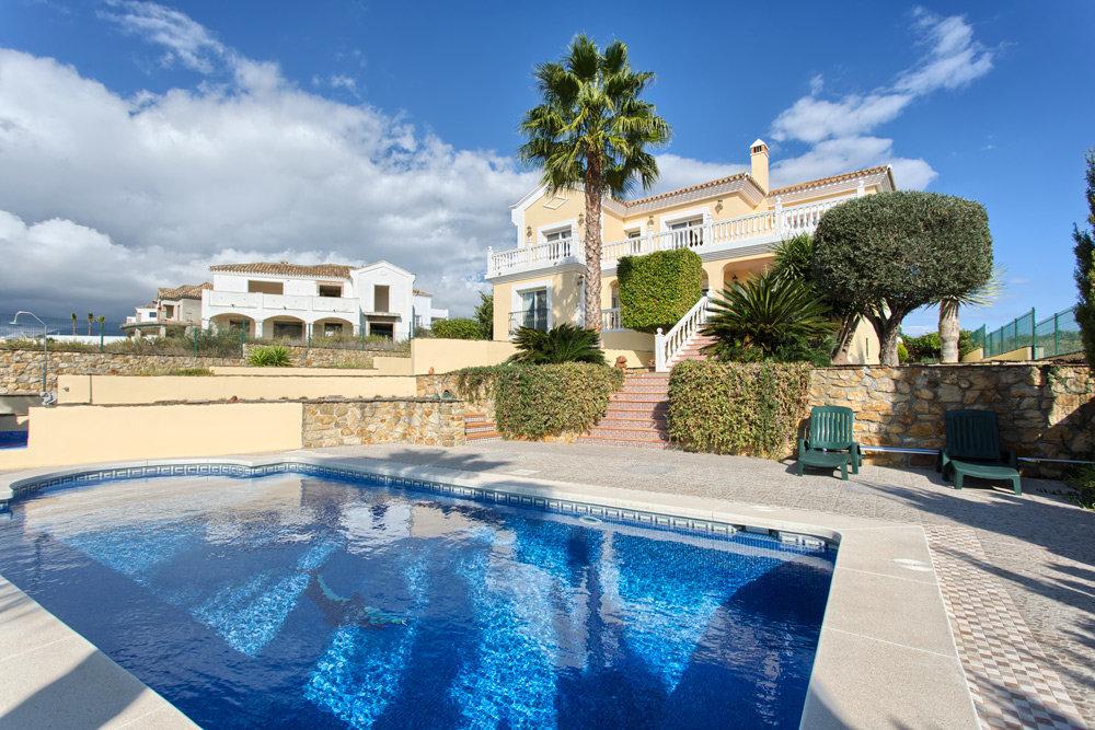 Villa til salgs i Casares