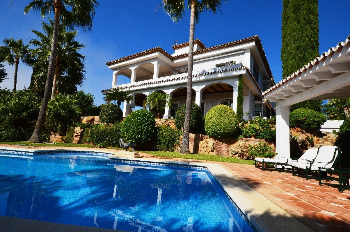 6-bed- villa for Sale in Bahia de Marbella