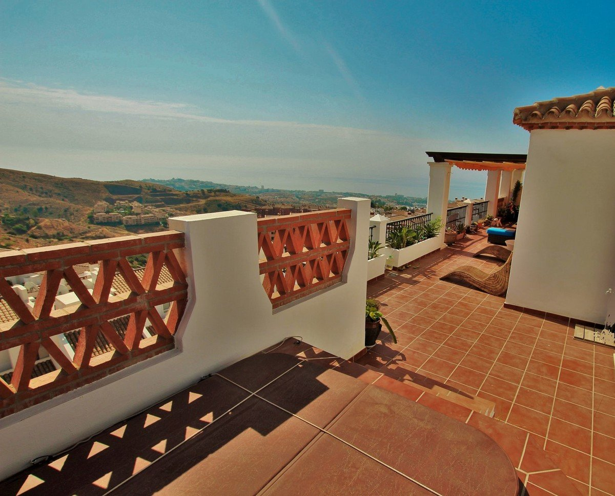 2-bed- penthouse for Sale in Calahonda