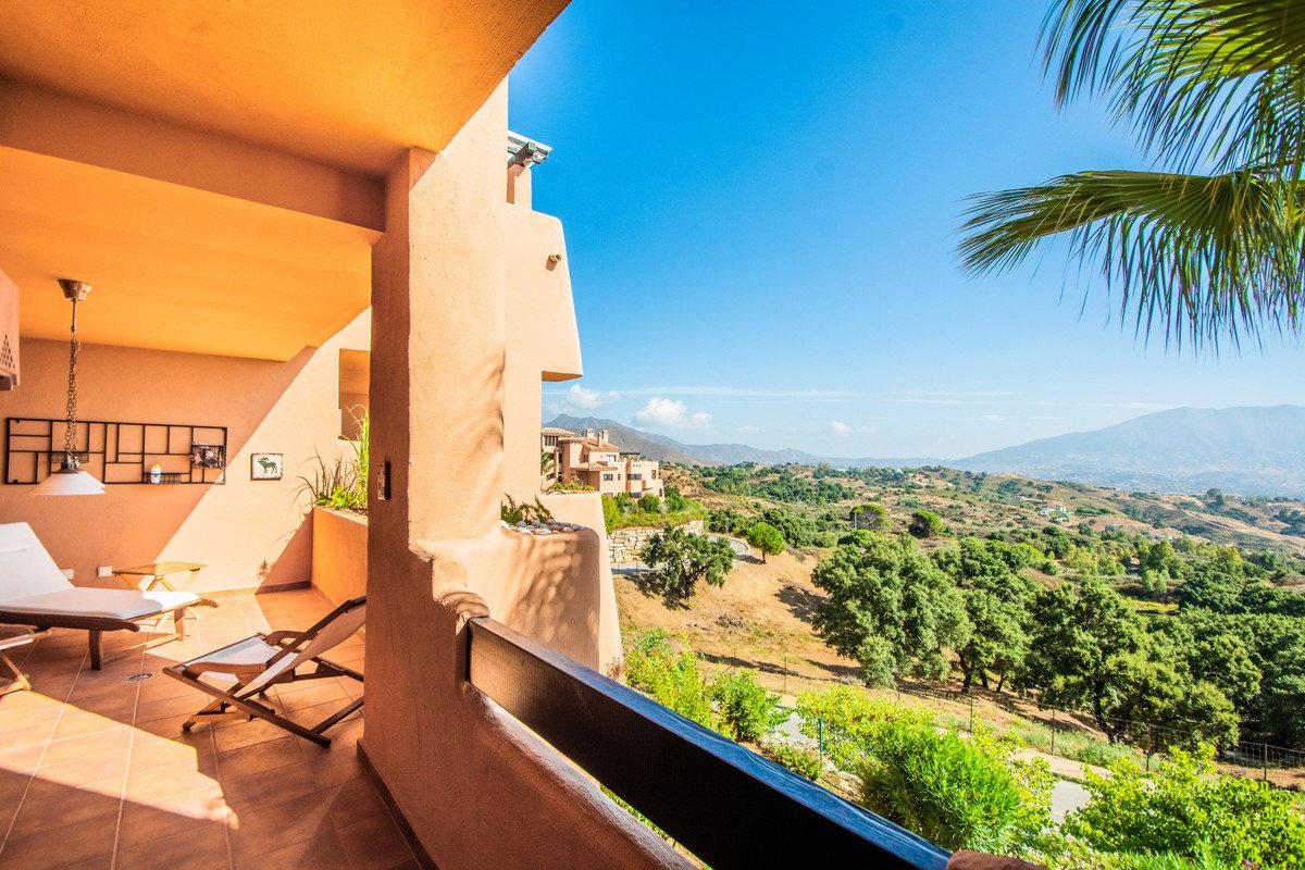 Apartment for sale in Marbella, Elviria