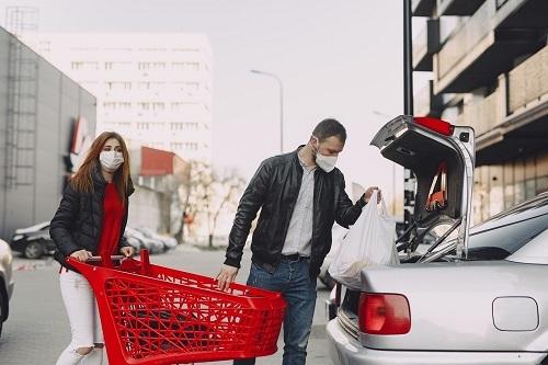 Supermarket shopping car park min 500
