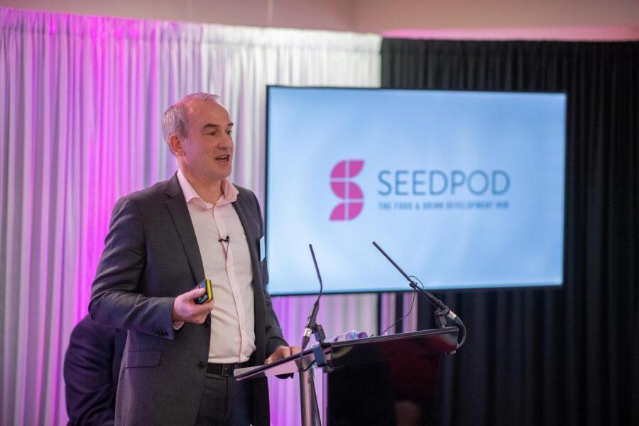 Neil Seed Pod 1600 min