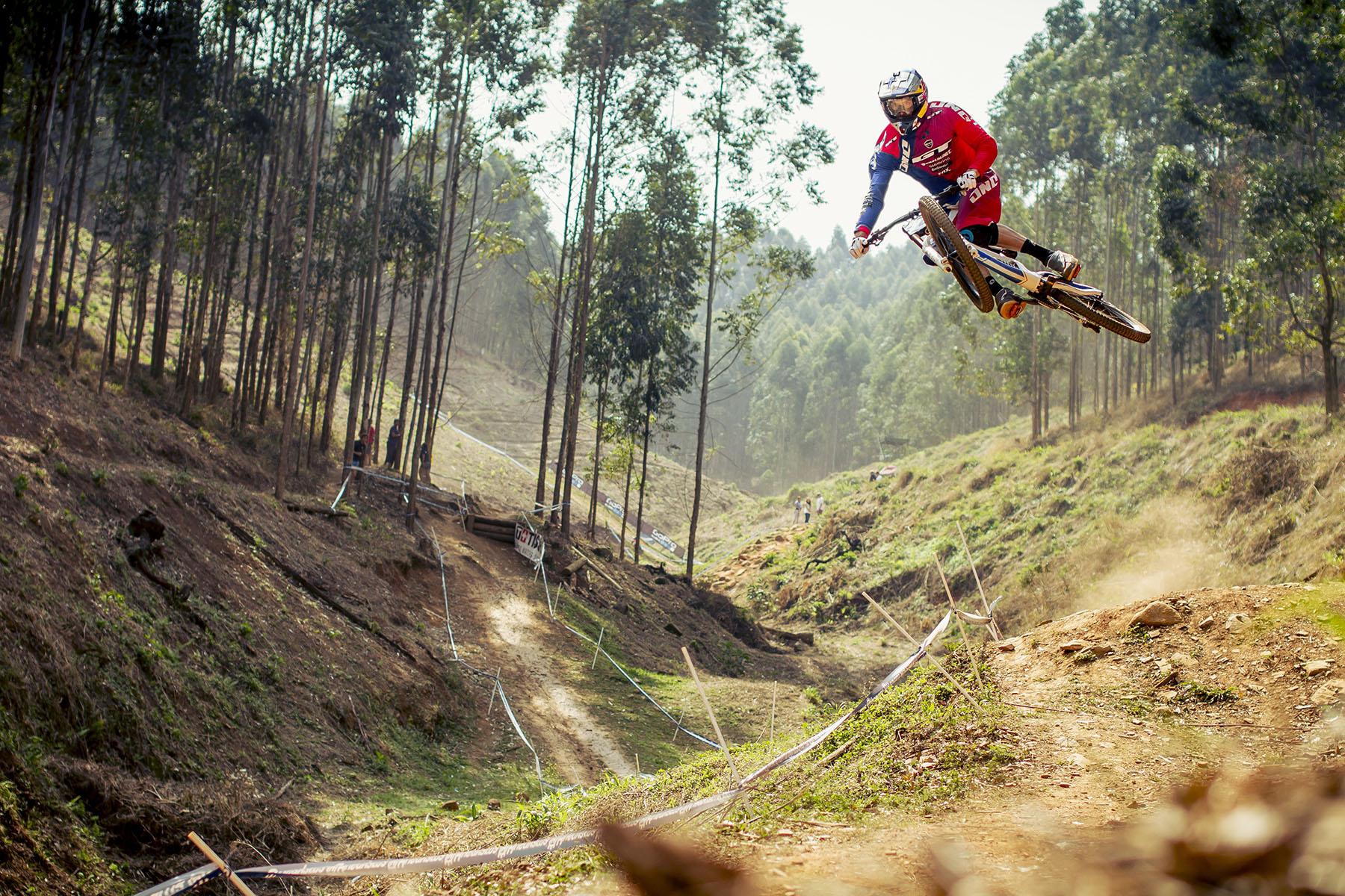 Die DH-Strecke in Pietermaritzburg bietet genug Möglichkeiten für Big Air Time!