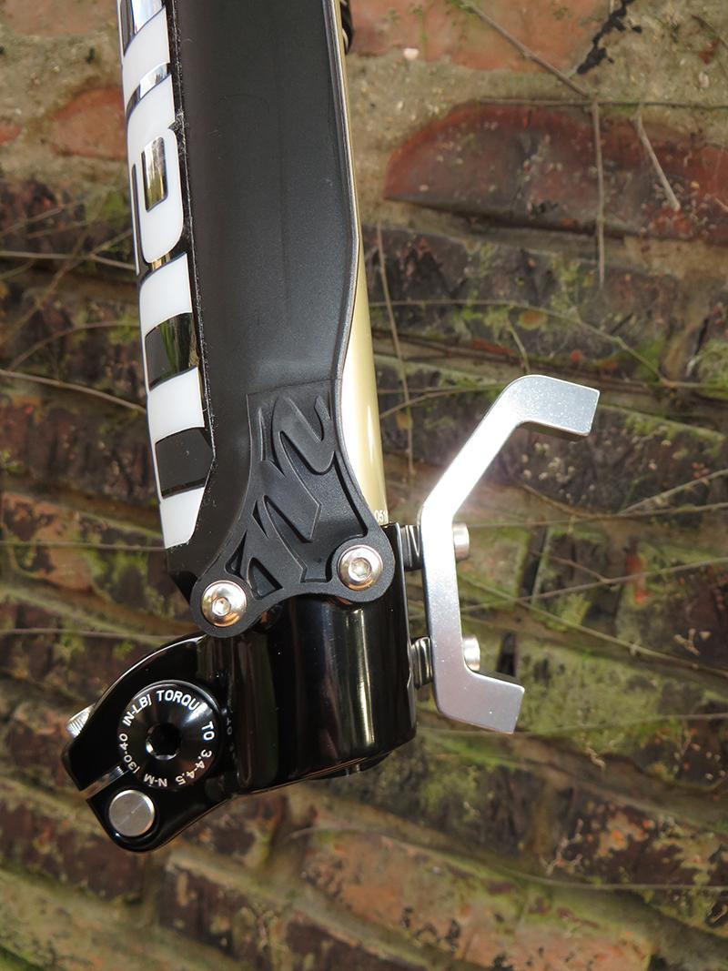 Dorado Gabel von Manitou - Bremsaufnahme bei der Standardversion zum Anschrauben
