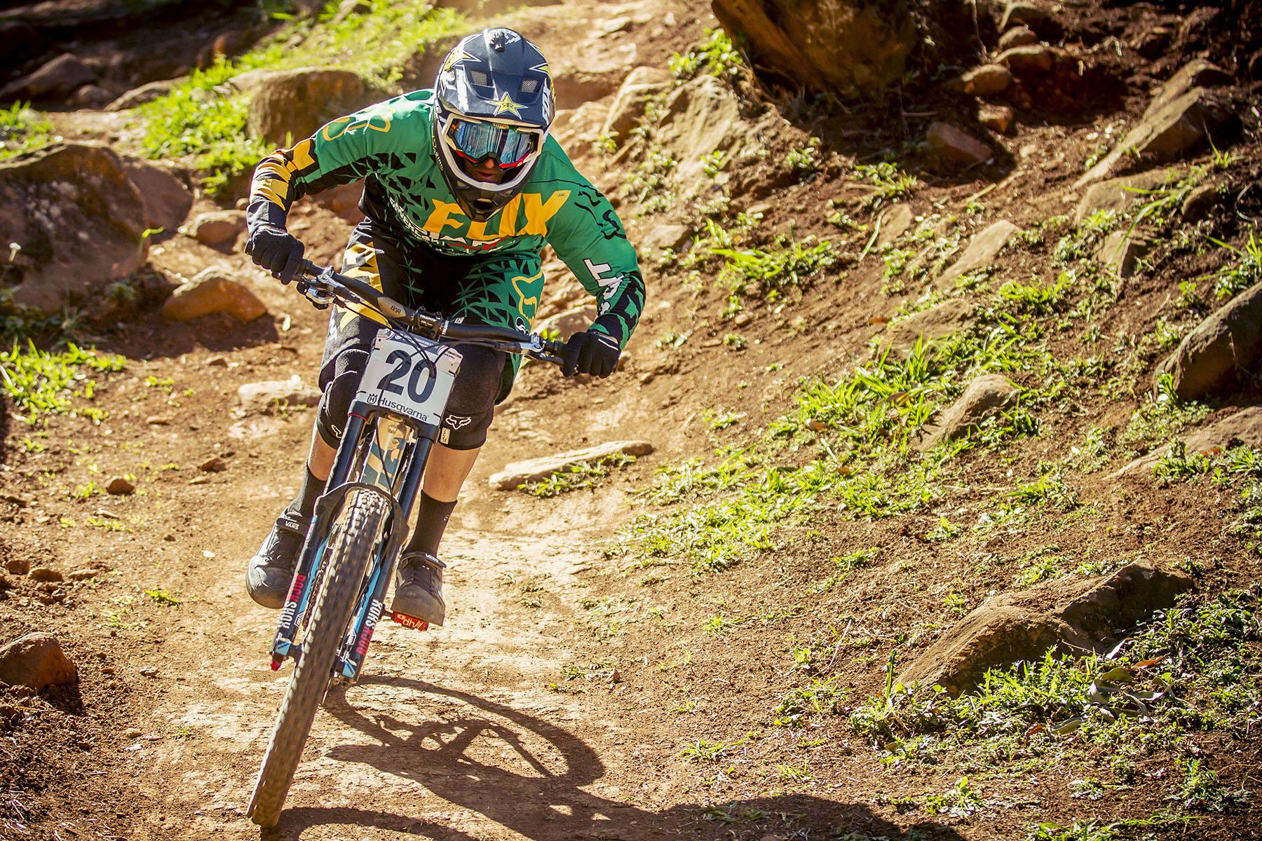 Einer der beiden Südafrikaner im Rennen: Andrew Neethling genoss die Abfahrten auf heimischen Boden, allerdings reichte es nur für den 16. Platz.
