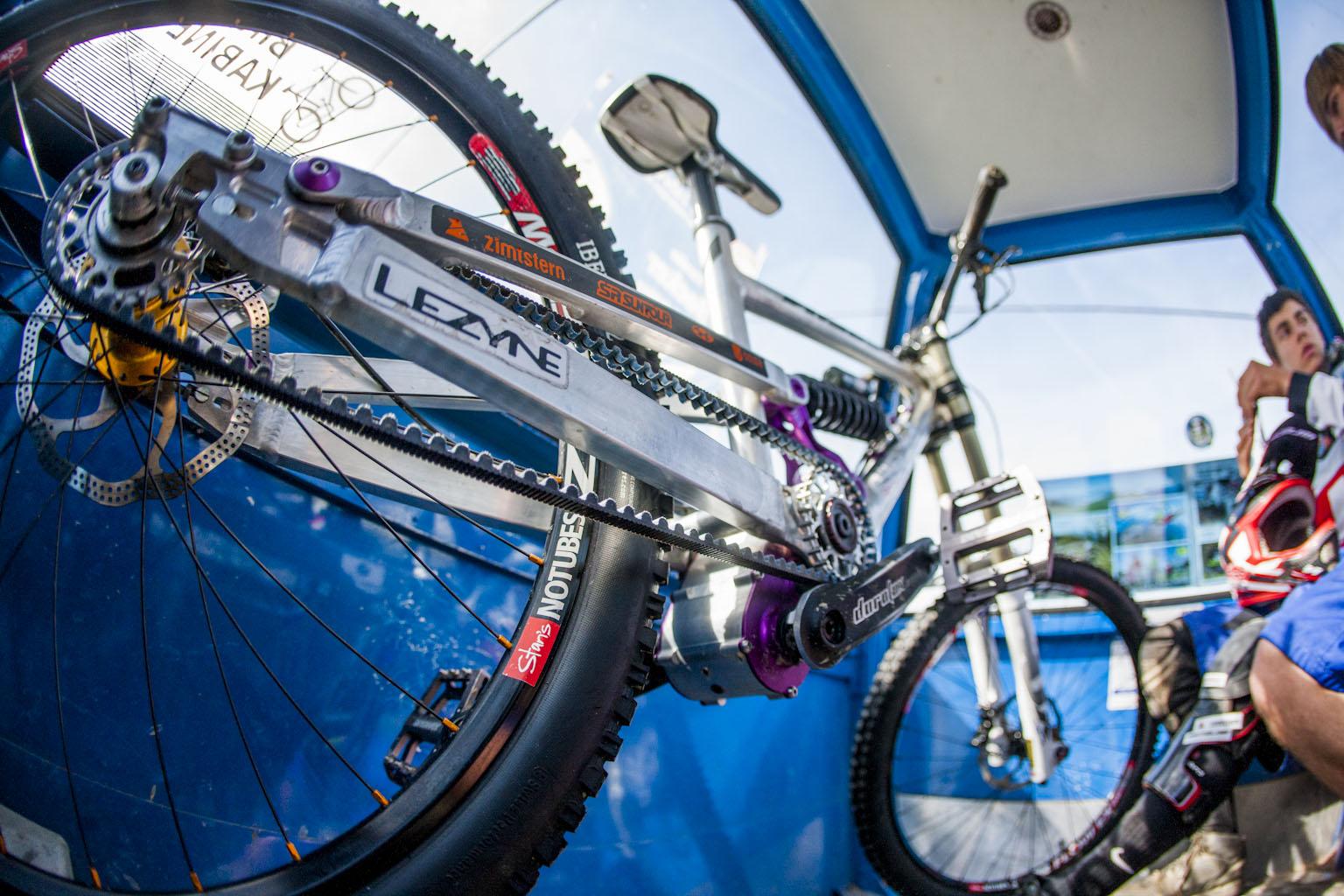 4Cross Bike mit Riemenantrieb