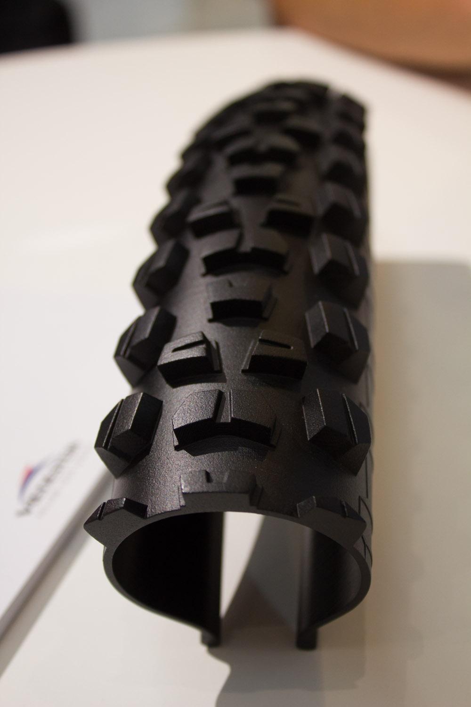 Prototyp eines neues All Mountain Reifens von Vredestein. Den Reifen wird es in zwei verschiedenen Härten und in 26, 27.5 und 29 Zoll geben.